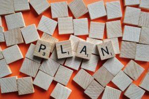 holzstücke-schriftzug-plan